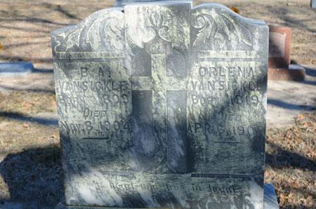 Gravesite of Benjamin Van Sickle
